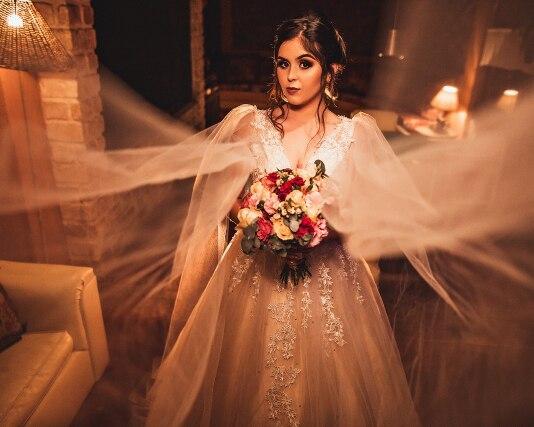 Sexy V Neck A Line Wedding Dress Open Back Floor Length Sleeveless Pakistani Designer Bridal Dress Vestidos De Novia Para Gordas