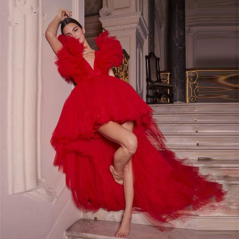 Красные платья для выпускного 2021 короткие пышные тюлевые асимметричные