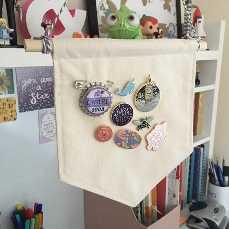 <font><b>Pin</b></font> Cotton Banner Wall Display Pennant <font><b>Blank</b></font> <font><b>Badge</b></font> <font><b>Buttons</b></font> Lapel Collections Home Decoration Accessories Brooch Display Pendant image