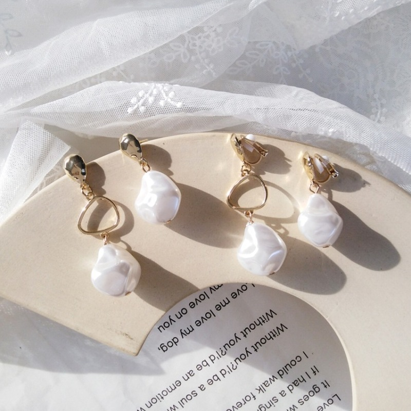 Korean Simple Creative Lady Sweet Imitation Pearl Clip Earrings  Women Girl Fashion Temperament Asymmetry Jewelry Accessories