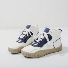 19 autumn and winter new Korean version of the wild casual shoes leather flat students high to help ins tide shoes women. air force no 1 children s shoes 2018 autumn boy leather shoes in the shoes to help girls casual shoes high to help