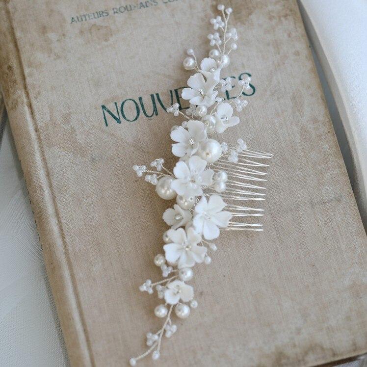 Гребень для волос с жемчугом Женский, свадебное украшение ручной работы с белым фарфоровым цветком, свадебная бижутерия