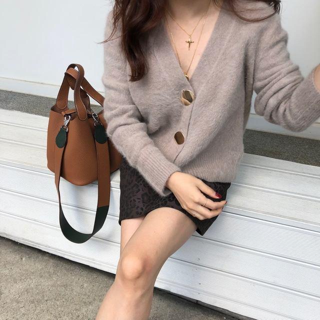 Mooirue Autumn Women Soft White Knitted Cashmere Sweater Double Button Women Warm Jumper V-Neck Winter Sweater 43