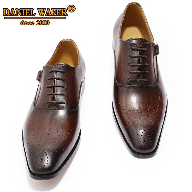 الفاخرة العلامة التجارية الرجال أحذية من الجلد جلد طبيعي أكسفورد أحذية الرجال اللباس الرسمي مكتب البني الأسود الدانتيل يصل مشبك حذاء بسيور الذكور-في حذاء أوكسفورد من أحذية على  مجموعة 1