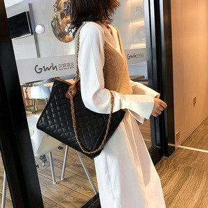 Image 3 - 2019 Large Shoulder Bag Women Travel Bags Leather Pu Quilted Bag Female Luxury Handbags Women Bags Designer Sac A Main Femme