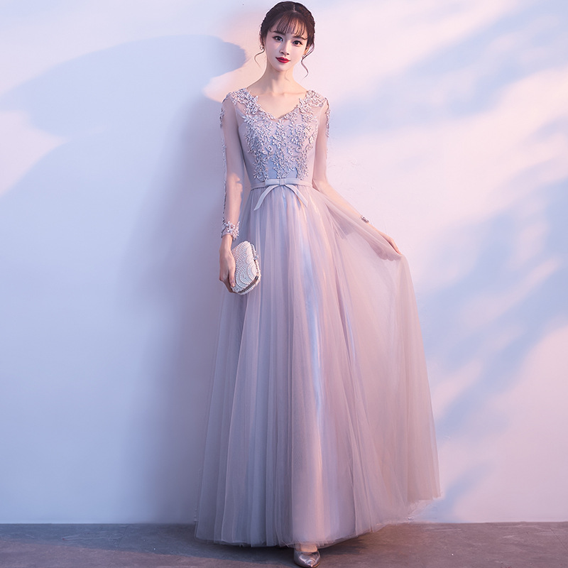 Long Sleeves Evening Dresses V Neck Lace Applique Sequins Tulle Cheap Prom Party Gowns Zipper Back Modest Maid of Honor