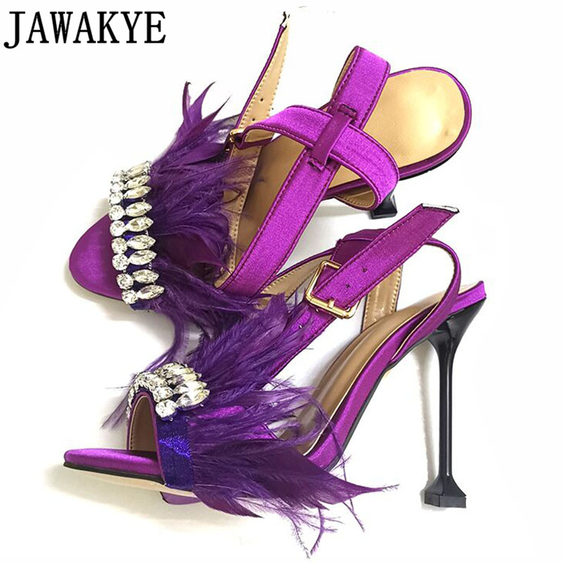 Sexy satin sandales femmes minces talons hauts poilu plume cristal embelli 2018 strass 2018 chaussures de mariage sandalia feminina