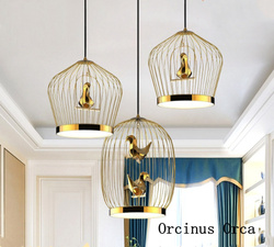 Europa północna luksusowy złoty klatka żyrandol salon korytarz jadalnia modern art led birdie żelazny żyrandol w Wiszące lampki od Lampy i oświetlenie na