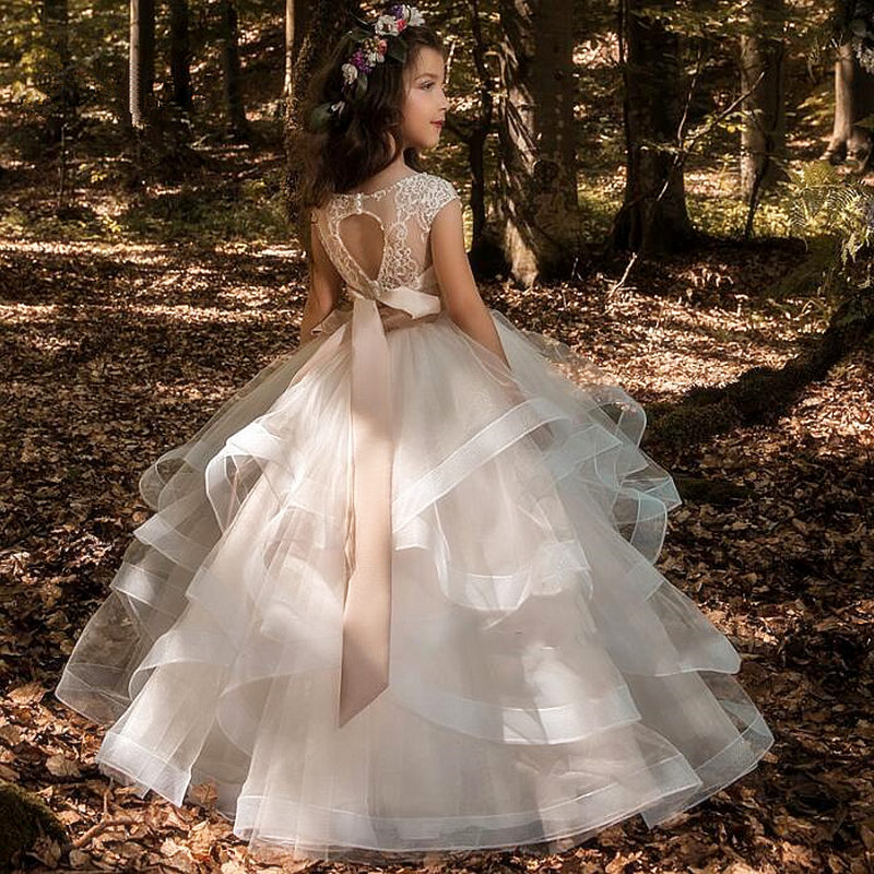 Elegant Flower Girl Dresses Champagne Lace Appliqué Sleeveless Cascading Kids Pageant Gowns For Weddings First Communion Dresses
