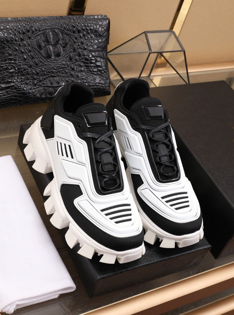 2020 European new sneakers female fashion leisure platform with color matching the European and American wind star torre shoes