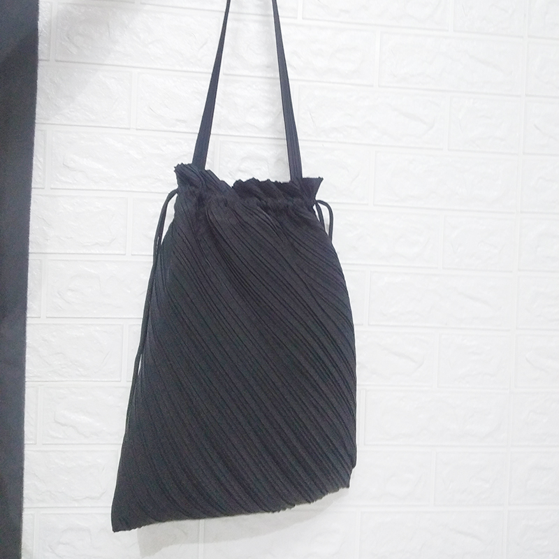 IN STOCK Miyake Fold Brand Fashion Hand Bag Wrinkle Drawstring Bag HOT SELLING