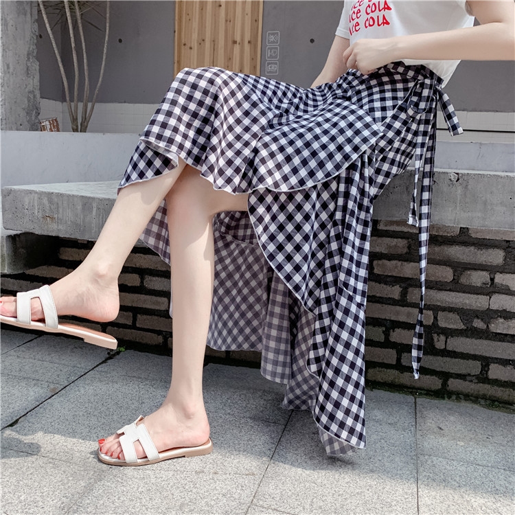 A Black And White Skirt Large Size Fat Mm Plaid Chip Asymmetric Skirt Versatile Edge Lace-up Fishtail Skirt Natural Waist-