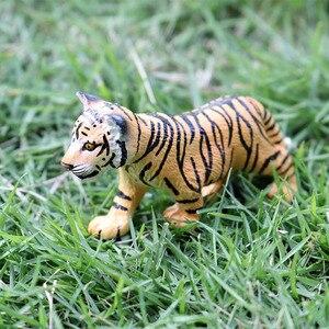 Image 5 - Oenux אמיתי גן חיות בעלי חיים דגם סימולציה מיני פראי פנדה נמרים אריות ג ירפה בעלי החיים פסלוני PVC פעולה איור צעצוע לילדים