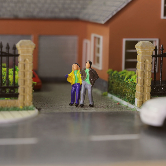 100pcs HO Scale Painted Figures People Model Scale 1:87 Model Train Passengers Assorted Pose 5