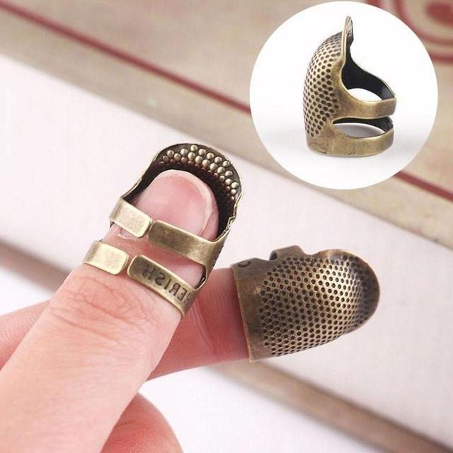 Retro Handworking dedal para coser dedo Protector costura herramientas y accesorios de coser DIY latón Metal hogar Thim J8N7
