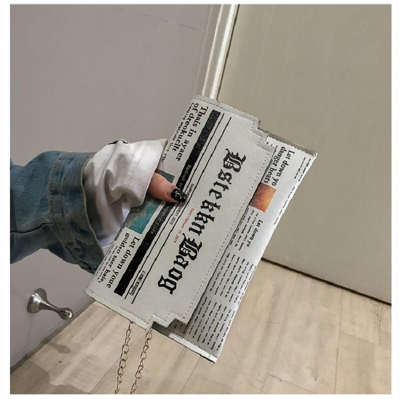 Creativity Envelope Bag Women 2020 New Personality Inkjet Newspaper Clutch Bags Joker Shoulder Messenger Bag Chain Evening Bags