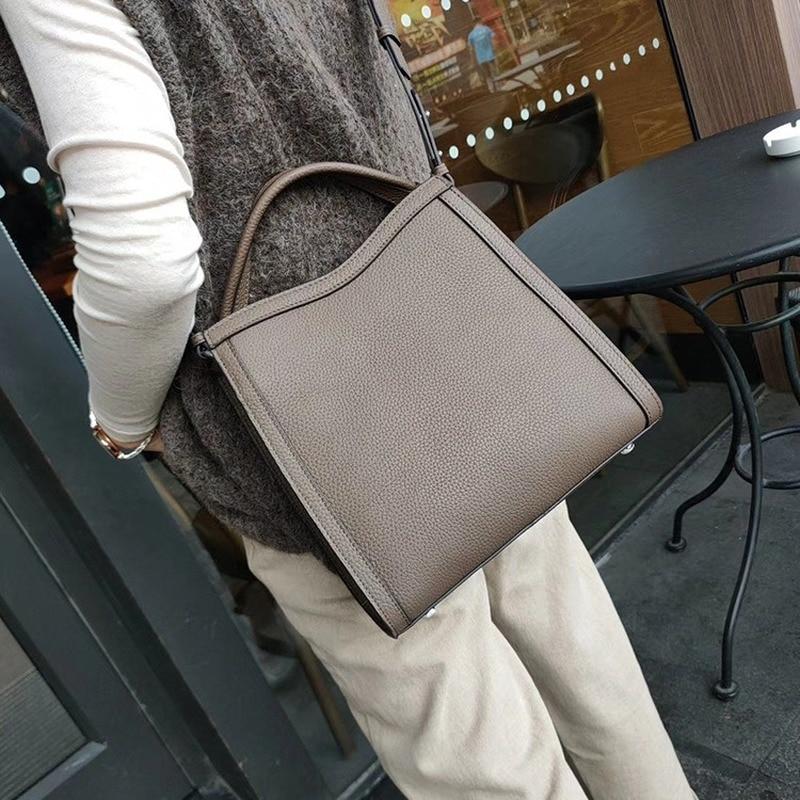 2019 New Leather Women's Bag, Hand-held Messenger, One Shoulder Bucket Bag, Women's Bag
