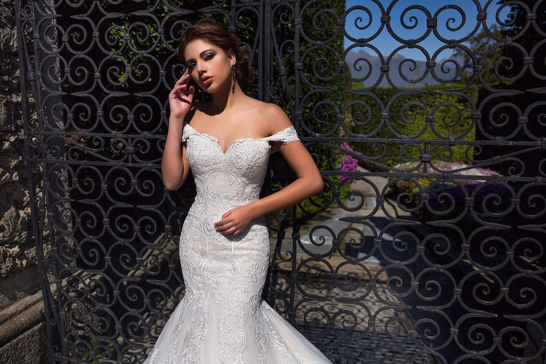 Image 4 - Off Shoulder Mermaid Wedding Dress 2020 Lace Up Back Appliqued Tulle Wedding Gowns Bride Dress Lace Wedding Dress MariageWedding Dresses   -