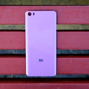 Image 2 - Xiao Mi Xiaomi Mi orijinal cam pil arka kılıf Xiaomi 5 için Mi5 MI 5 M5 arka kapak telefon pil backshell arka kapak + aracı