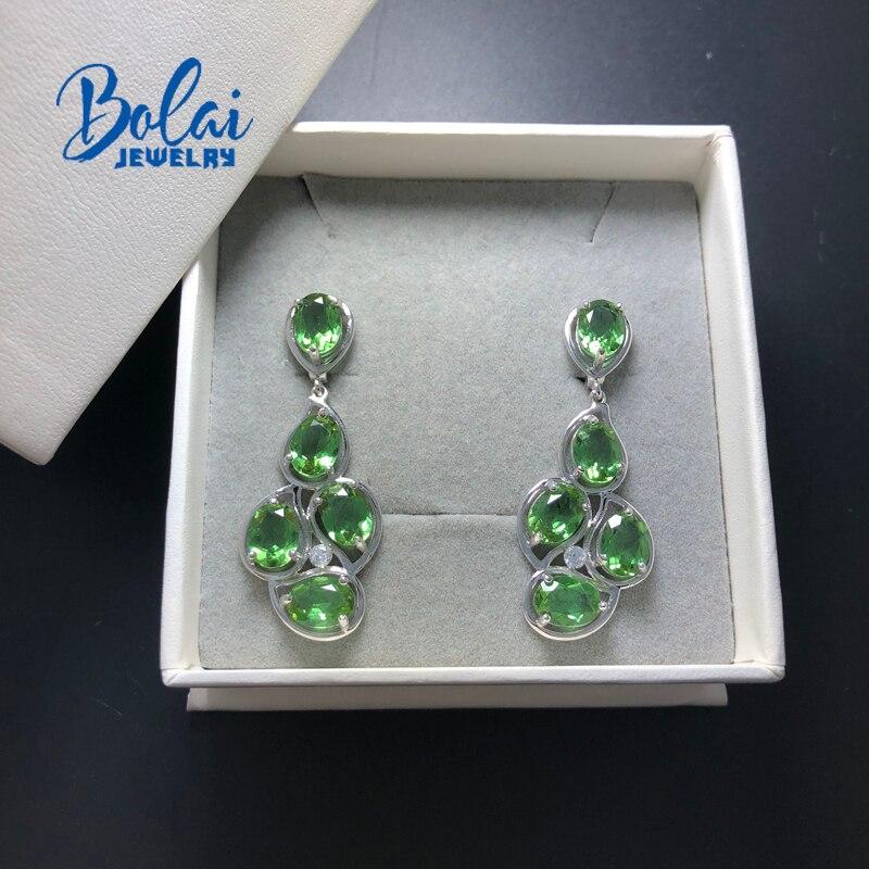 criada mudança de cor pedra preciosa jóias