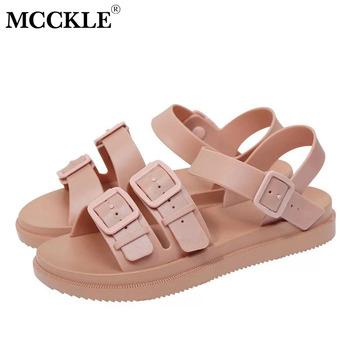 MCCKLE kobiety płaskie sandały Gladiator klamra miękkie galaretki sandały damskie na co dzień damskie płaskie platformy kobieta plaża buty letnie buty tanie i dobre opinie Mieszkanie z Otwarta RUBBER Mieszkanie (≤1cm) Slip-on Pasuje prawda na wymiar weź swój normalny rozmiar Przód i tył pasek
