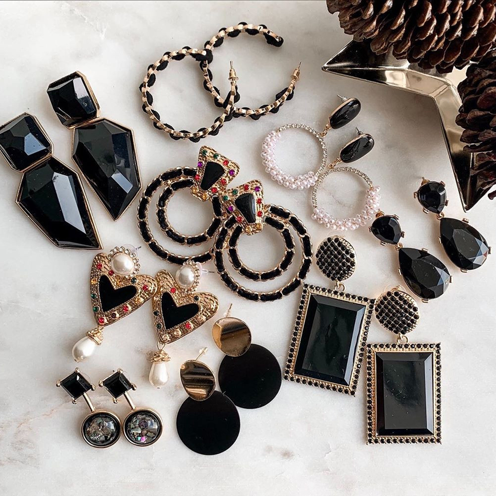 Dvacaman ZA Fashion Glass Crystal Earrings For Women Black Metal Resin Geometric Statement Earrings Girls Party Gift Wholesale