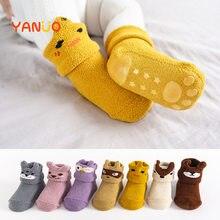 Chaussettes élastiques pour bébés de 0 à 2 ans, en Silicone, molleton de corail, antidérapantes, souples, dessins animés, chaussettes de sol élastiques pour nourrissons