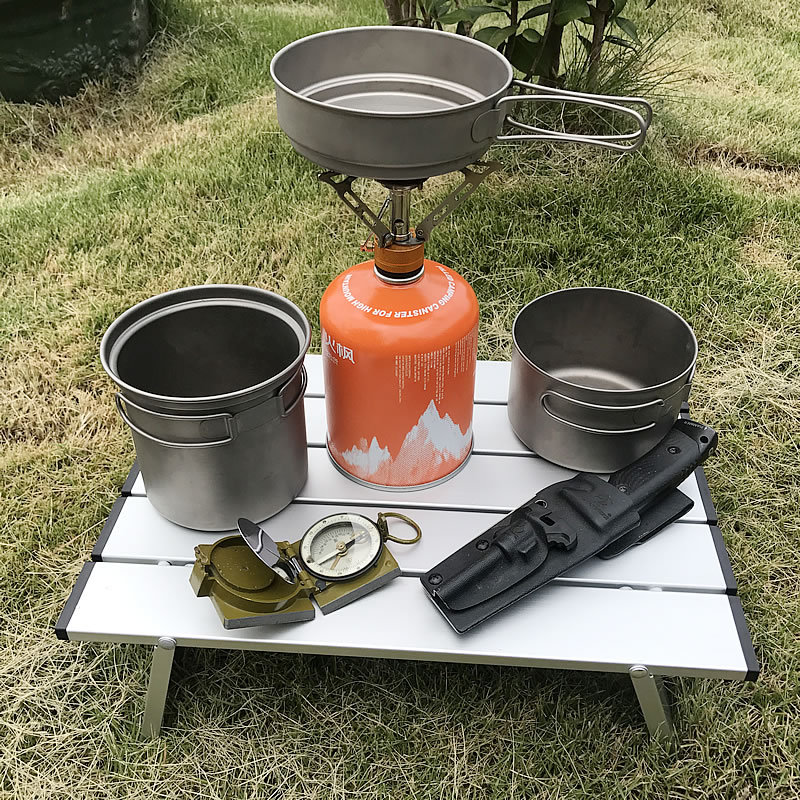 Ultra-light Aluminum Outdoor Camping Table, Lighter And Easier To Carry