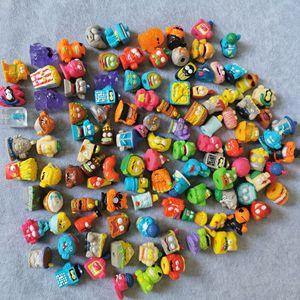 Image 4 - Zomlings אנימה אשפה בובות 3CM דגם צעצוע ילדי משחק Superzings אשפה בובת חג המולד מתנת מכירה 10PCS/20 יח\חבילה