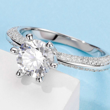 White Gold Plated 925 Sterling Silver Main Stone 1ct 6.5mm MoissaniteS Side Stone Cubic Zirconia Ring Jewlery M13A