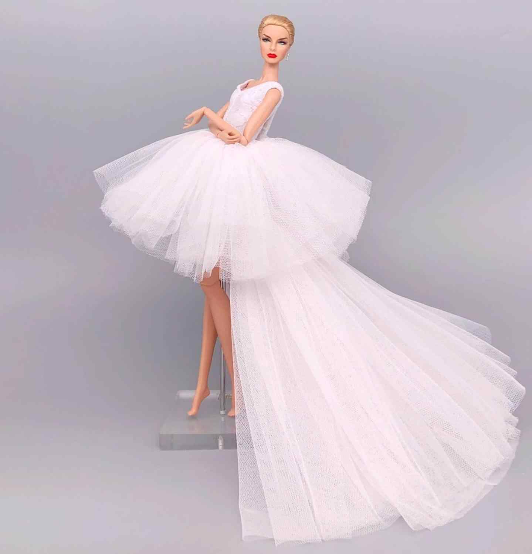 Mode originale pour élégante dame robe de