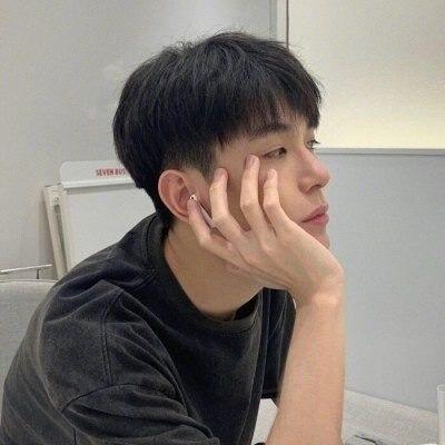 文艺阳光撩人的男生头像大全_玩赚生活网www.playzuan.com