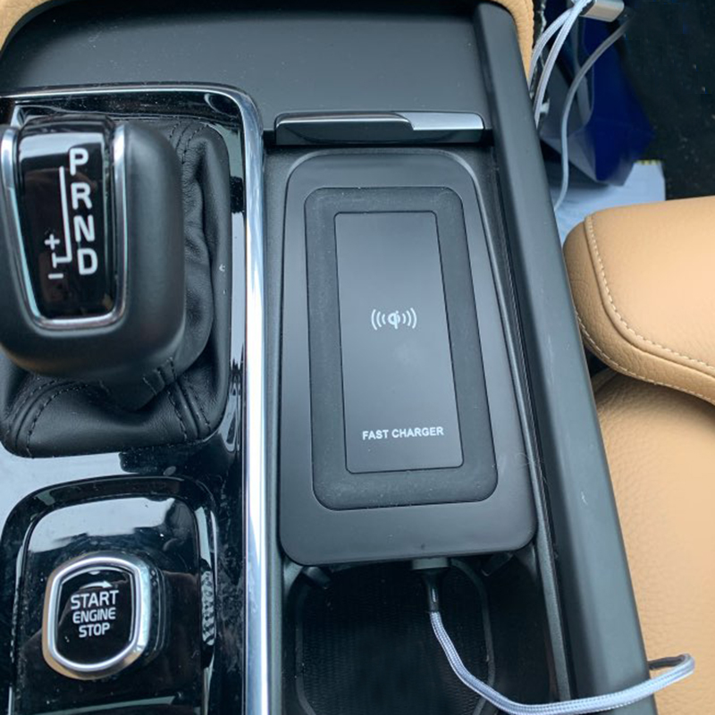 10w Car QI Wireless Charger For Volvo XC90 S90 V90 XC60 V60 C60 2018 2019 2020 Charging Plate Wireless Phone Charger Accessories