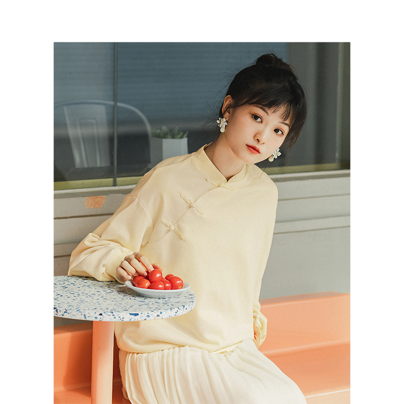INMNA 2020 Spring New Arrival Retro Chinese Style Skew Buckle Drop-shoulder Sleeve Loose Women Short Sweat Shirt