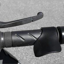 Модификация мотоцикла части дроссельной заслонки зажимы мобильность на большие расстояния синхронизация усилитель заправки устройство экономии труда