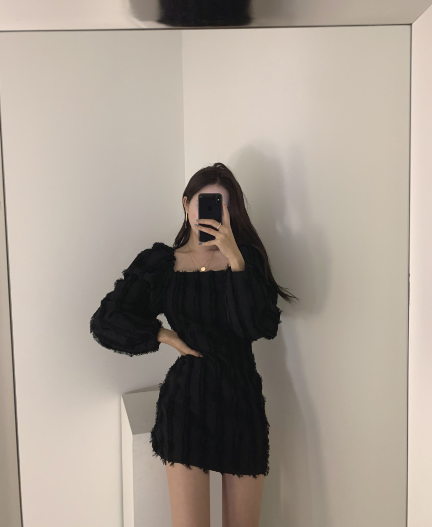 H361d7dac69ef4ffe87527130c50124ffJ - Autumn Square Collar Puff Sleeves Tassel Solid Mini Dress