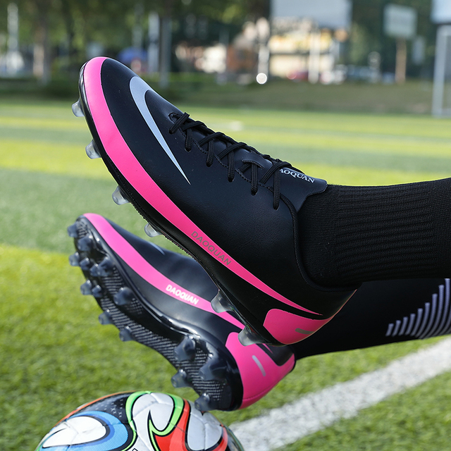 2021 New Arrival Men's Soccer Shoes Large Size Ultralight Football Boots Boys Sneakers Non-Slip AG/TF Soccer Cleats Ankle Boots 4