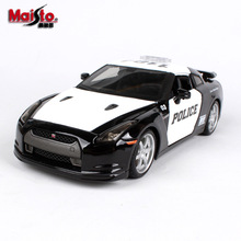 цена на Maisto 1:24 Nissan-GTR police car alloy car model die-cast model car simulation car decoration collection gift toy