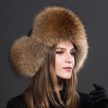 Winter Warm Ladies 100% Real Raccoon Fur Hat Russian Real Fox Fur Bomber Hat With Ear Flaps For Women