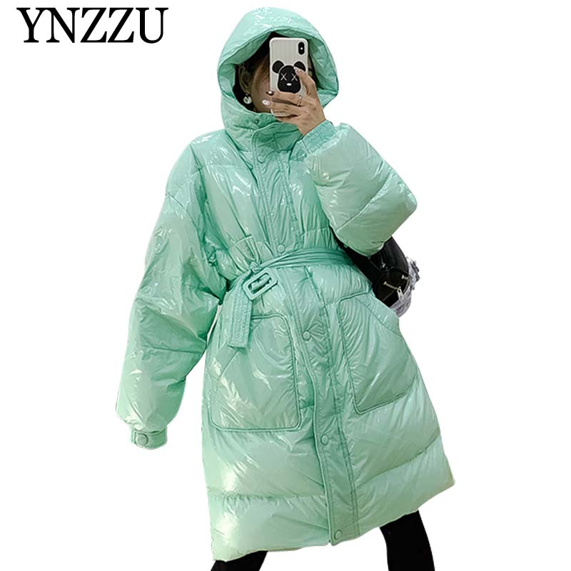 YNZZU 2019 Winter New Arrival Light Pockets Women Down Coat Back Letter Print Long Down Jackets Hooded Thick Warm Overcoat YO922
