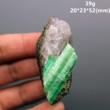 100% Natural gem-grade green emerald mineral specimen crystal specimens stones and crystals quartz crystals from china(China)