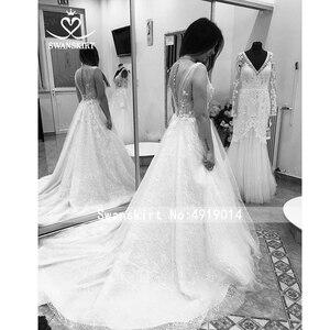Image 4 - Romantische V ausschnitt Tüll Hochzeit Kleid SWANSKIRT F261 Boho Perlen Appliques A Line 3D Blumen Illusion brautkleid Vestido de noiva