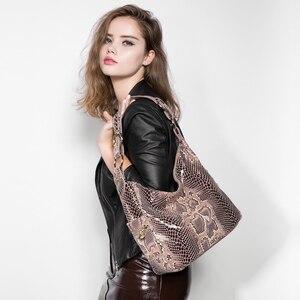 Image 2 - REALER Bolsos De piel auténtica con estampado de serpiente para mujer, carteras de hombro tipo bandolera, escolares, clásicas