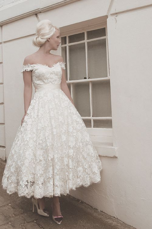 2015 Elegant White Lace Bridal Gown Off The Shoulder Mid Calf Short Plus Size A-Line Wedding Dresses Free Shipping