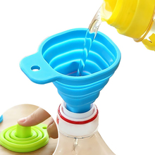 1pc Silicone Foldable Funnel Mini Liquid Dispensing Collapsible Style Funnel Folding Portable Funnels Kitchen Tool Random Color protable mini food grade silicone foldable funnels collapsible funnel hopper kitchen home cooking tools accessories gadgets 1pc