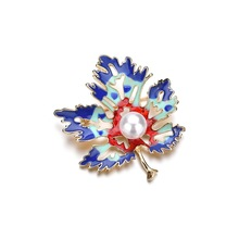 Vintage Imitation Pearls Brooch Pin Maple Leaf Brooches Pins Exquisite Collar For Women Wedding Bride Dance Party Gifts