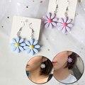 Милые маленькие цветы, свисающие серьги для женщин, серьги в Корейском стиле Маргаритка Подсолнух неповторимые женские серьги-подвески, по...