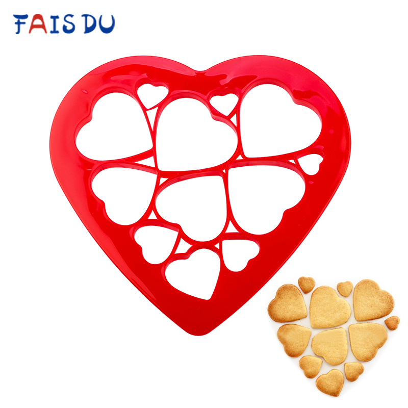 Random Color Love Heart Jigsaw Cookie Plastic Mold Multiple Sizes Biscuit Cutter DIY Pastry Candy Fondant Cake Decorating Tools
