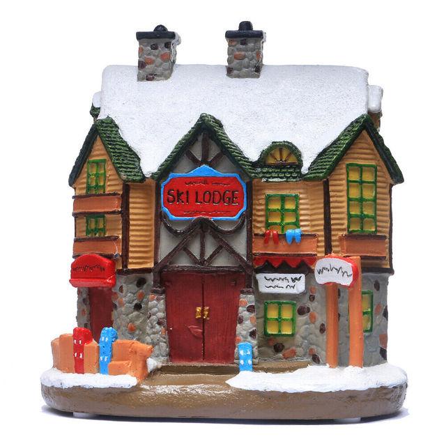 크리스마스 빌리지 하우스, 크리스마스 겨울 스키 롯지 장식 조명 하우스 장면