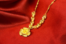 Gold-plated sand gold vintage wind wedding flower necklace fashion trend gold-plated temperament ladies